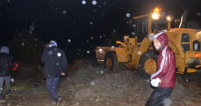 Yüksekova'da 2 köy sel suları altında kaldı