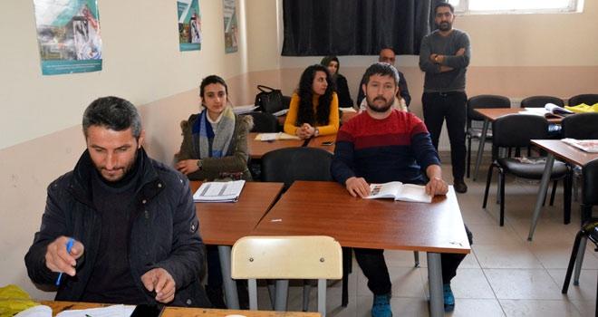 Yüksekovalılar Farsça öğrenmeye başladı