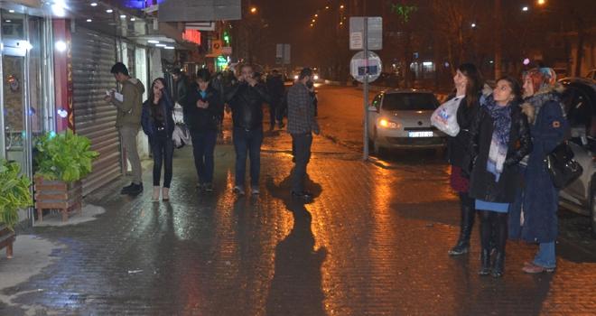 Yüksekova'da deprem paniğe neden oldu